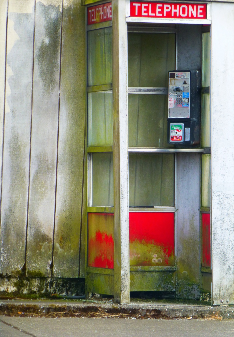 Dead Phone Booth, Westport, WA Phall Photo 2013