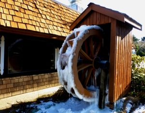 Frozen waterwheel in front of restaurant in Grayland, WA.  PHALL PHOTO 2013